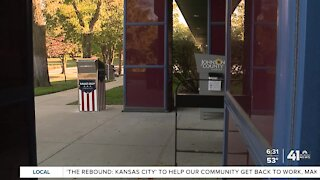 Advance voting starts on Saturday in Johnson County
