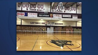 Annual celebrity turkey giveaway at River Rouge High School