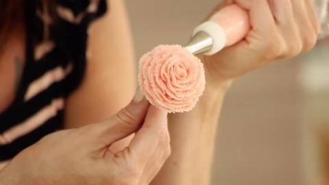 DIY recipes: Roses on a stick