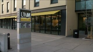 UWM moving to online classes and extending spring break after possible case of coronavirus