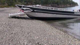 Haibåt med fantastisk dokkingmekanisme