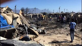SOUTH AFRICA - Cape Town - Vrygrond Fire (Video) (4DC)