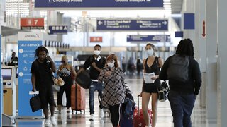 Trump Administration Asks Air Travelers To Wear Face Masks