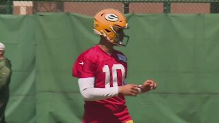 Aaron Rodgers a no-show at mandatory minicamp