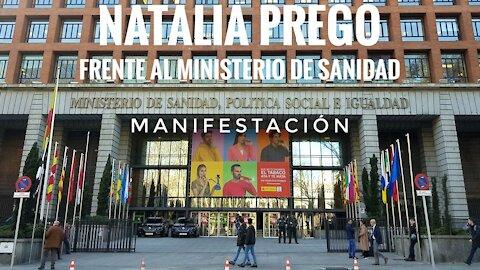 Natalia Prego frente al Ministerio de Sanidad