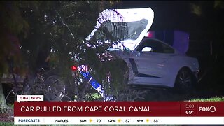 Car pulled out of Cape Coral Canal