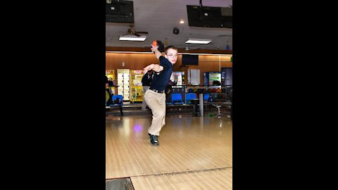 New Jersey Bowling Reopening During the Pandemic - Lucky Lefty at Knob Hill Country Lanes/ July 2020
