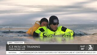Officials hold ice rescue training at Hanscom Park