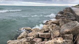 NWS warns of dangerous conditions along lakefront Thursday and Friday
