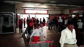 Souuth Africa Cape Town - Shopper's ahead of Covid-19 Lockdown (Rd5)