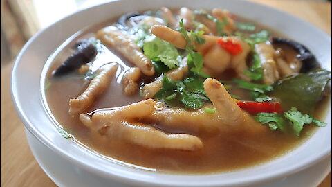 How to make Thai chicken feet spicy soup (Tum Super Ka Gai)