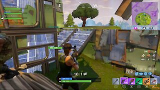 Fortnite Battle Royale (Squads) - Trapped in a Burning Building