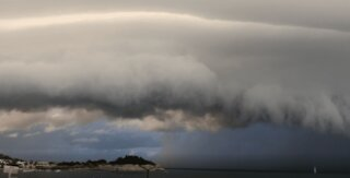 Man films INSANE cloud formation in Greece!