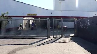 SOUTH AFRICA - Cape Town - INkwenkwezi Secondary School Closed (Video) (qCc)