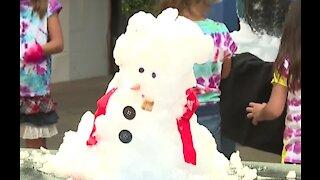 Snowman making in Las Vegas amid heatwave