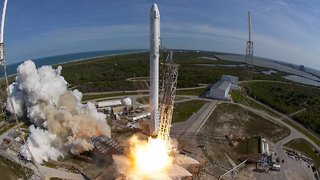 FCC Lets SpaceX Increase Its Global Broadband Satellite Network