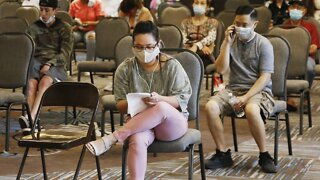 Less Than 1 Million Americans Filed For Unemployment Last Week