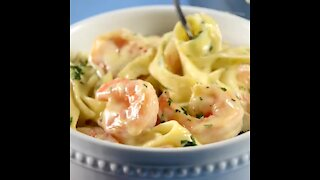 Pasta Alfredo with shrimp