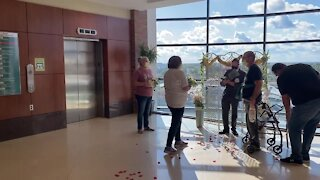 Man recovering from COVID marries longtime girlfriend at Sparrow Hospital