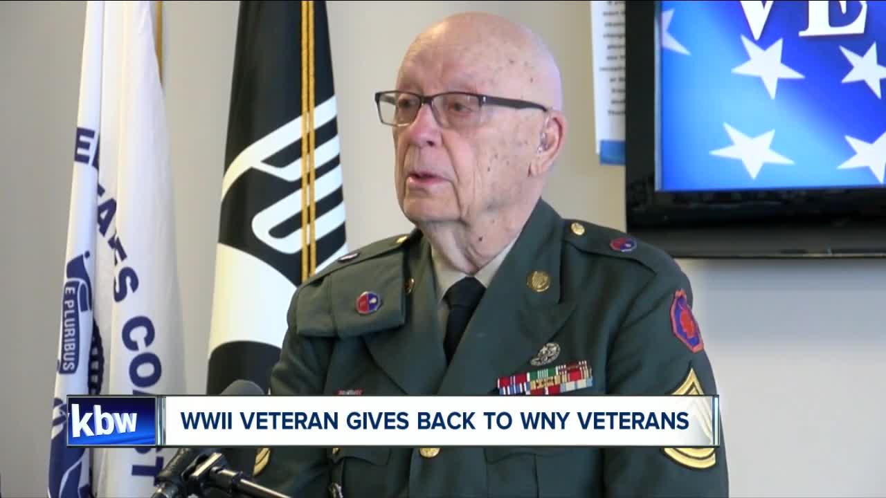 """WWII veteran Efner """"Lucky"""" Davis gives back to Western New York veterans"""
