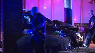 Cleveland police officer crashes into pole