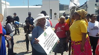 SOUTH AFRICA - Cape Town - Budget speech march to and protest outside Parliament (Video) (LxE)