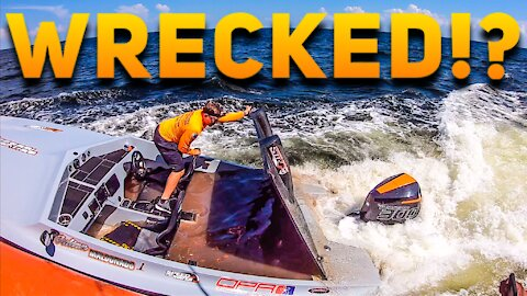 WRECKED SPEED BOAT RESCUED!   HAULOVER INLET   HAULOVER BOATS   BOATSNAPS