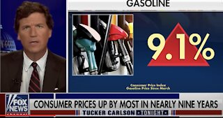 Our Economy Is In Trouble - Tucker EVISCERATES the Media for Covering It Up