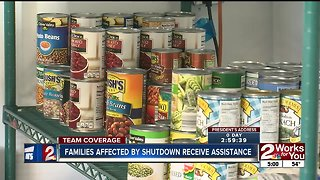 Non-profit provides foods to families amidst government shutdown