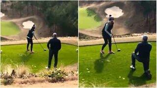 Bedårende frieri på golfbane