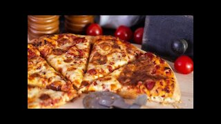 How to make a pizza at home