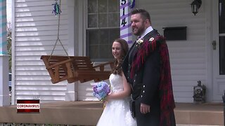 De Pere couple gets married