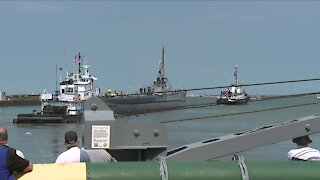 USS Cod submarine departs Cleveland for first time in 58 years