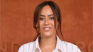 GALA VIDEO - Amel Bent émouvante : son message à ses filles pour son anniversaire
