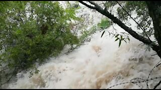 Rain causes flash flooding in Johannesburg (Cu7)