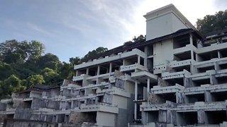Urban explorer tours abandoned Thai hotel destroyed in 2004 Boxing day tsunami