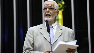 Solla denuncia desvio de recursos de medicamentos para comprar votos