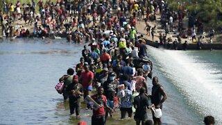 Thousands Of Migrants Converge Under Texas Bridge