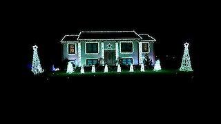 Connecticut home has 'Nutcracker' themed light show