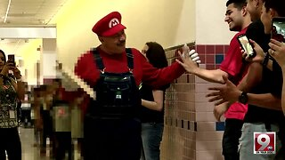 Loved custodian retires after 20 years at Tucson primary school