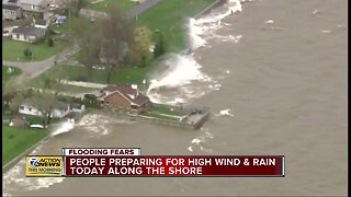 People preparing for high wind & rain in Michigan
