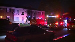 2 people including child dead after Detroit apartment fire