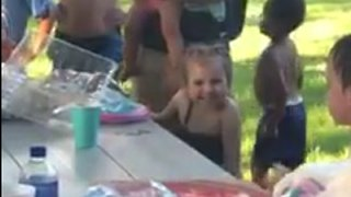When No One Shows Up To 4-Year-Old's Birthday Strangers Create Unforgettable Celebration