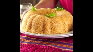 Braided Rice Cake with Picadillo