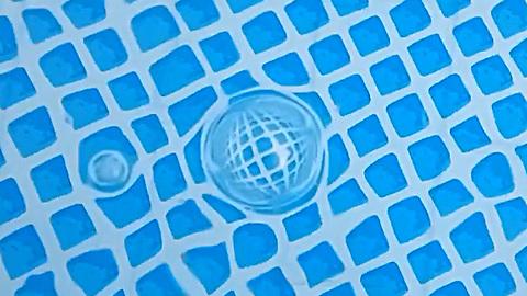 Optical phenomenon- bubbles on the water