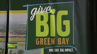 Give BIG Green Bay - Packers