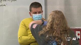 Kansas City COVID-19 clinics await guidance on J&J vaccine