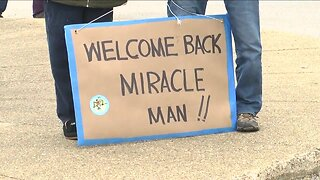 """""""Miracle Man"""" goes home after spending 40 days in the hospital with COVID-19"""