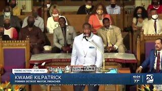 Kwame Kilpatrick preaches at Detroit church