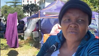 South Africa - Cape Town - backyard dwellers and homeless people (video) (ngR)